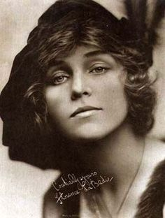 Florence La Badie was a major movie star between 1911 and 1917, but her career was tragically cut short when she died in a car accident aged just 29. She was thrown from the car and died after being hospitalized for 6 weeks.