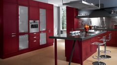 Focus, the tradition without losing the modern appeal Modern Kitchen Island, Modern Kitchen Cabinets, Open Plan Kitchen, Scavolini Kitchens, The Kitchen Show, Casual Dining Rooms, Kitchen Models, Shabby Chic Kitchen, Green Kitchen