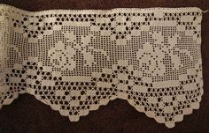 Filet Crochet Edging Lace Rose Stem with Scallop Finish Crochet Boarders, Crochet Lace Edging, Love Crochet, Crochet Doilies, Crochet Flowers, Knit Crochet, Filet Crochet, Crochet Stitches, Crochet Designs