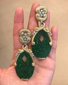 """346 Likes, 21 Comments - Tom Burstein (@tomburstein) on Instagram: """"3 is always better than 1, especially with #Cartier in the middle. #artdeco #christiesjewels #bling…"""""""