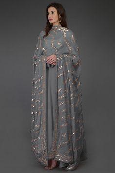 Grey Gota Patti & Zari Hand Embroidered Dupatta With Suit Pakistani Formal Dresses, Pakistani Dress Design, Pakistani Outfits, Pakistani Pant Suits, Punjabi Salwar Suits, Patiala, Churidar, Indian Wedding Outfits, Indian Outfits