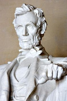 Lincoln statue detail of face and hand b0da065a4ad