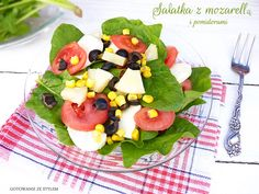 Salad with spinach, mozzarella and black olives | Gotowanie ze stylem