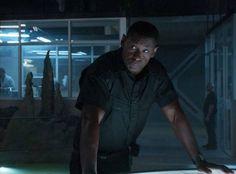 Hank Henshaw leads the DEO in Supergirl 101 - Pilot Martian Man, David Harewood, Supergirl Tv, Man Hunter, Dc Icons, Custom Funko, Actors & Actresses, Tv Series, Pilot
