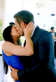 ♥♥♥ Hawaii Five-0 ep 6.01 - Michelle Borth and Alex O'Loughlin