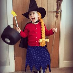 Amazing World Book Day costumes - architecture - Amazing World Book Day costumes – architecture - Toddler Costumes, Girl Costumes, Book Costumes, Costume Ideas, Halloween Costumes, World Book Day Costumes, Book Week Costume, Paper Bag Princess Costume, World Book Day Ideas