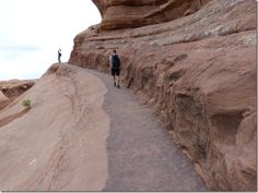 Just before reaching Delicate Arch there is the sidewalk passage that bothers some people with fear of heights issues.