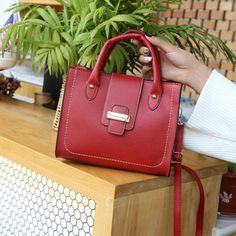 9f0246e6d9b5 7 Best leather bags images | Leather tote handbags, Leather bags ...