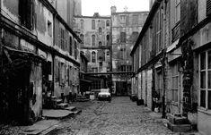 1972 - Belleville démoli - Paris Unplugged Menilmontant Paris, Belleville Paris, Vintage Paris, Paris Photos, Black And White, Artist, Old Paris, Antique Pictures, Places