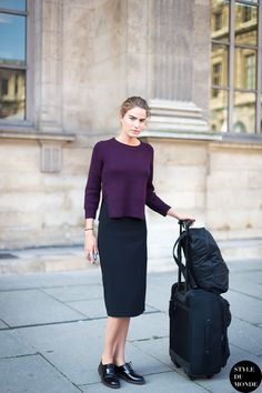 #CameronRussell looking super chic #offduty in Paris.