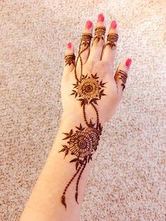 Henna Mehndi, Henna Art, Mehendi, Mehndi Designs For Hands, Mehandi Designs, Mehndi Images, Natural Henna, Bridal Henna, Henna Patterns