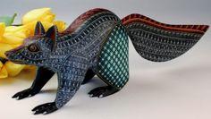 Oaxacan-Wood-Carving-Jacobo-Angeles-Cool-Raccoon-Oaxaca-Mexican-Fine-Folk-Art