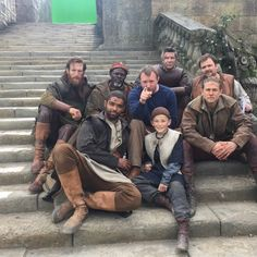 Charlie Hunnam is looking smokin' hot on the set of King Arthur.