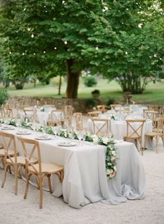 Love the wedding party table. The rest of tables are round!