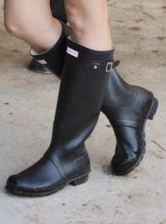 Wellies Rain Boots, Hunter Rain Boots, Shoe Boots, Shoes, Riding Boots, Boot Outfits, Handbags, Friends, Accessories
