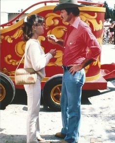 Burt Reynolds & Sally Field Smokey and The Bandit 2 8x10 Photo Picture 1980 Frog