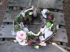 """Kranz """"Wilder-Brombeergarten"""" von Kreative Blumenkunst auf DaWanda.com"""