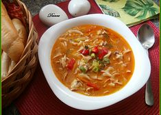 Svačinová kuřecí polévka načerveno recept - TopRecepty.cz Cheeseburger Chowder, Thai Red Curry, Soup, Menu, Dinner, Ethnic Recipes, Menu Board Design, Dining, Food Dinners