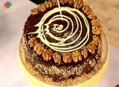 Τέλεια καρυδόπιτα του Στέλιου Παρλιάρου! Greek Desserts, Greek Recipes, Cake Bars, Recipe Box, Biscuits, Sweet Treats, Sweets, Baking, Food