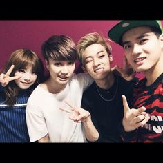 """""""@btobpeniel: Got together with the 93ers before the broadcast starts! Everyone tune in!! #넌감동이야 #쉽지않아 #witch #연애하나봐 방송 시작전 93라인 모임 :) ㅋㅋ 다들 본방사수해주세요~~ #넌감동이야 #쉽지않아 #witch #연애하나봐"""" • Peniel's insta update ♡"""