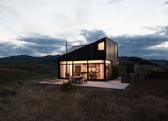 Sky House Washington State by platform a d #interiors #interiordesign #architecture #decoration #interior #home #design #photogrid #bookofcabins #homedecor #decoration #decor #prefab #smallhomes #instagood #compactliving #fineinteriors #cabin #tagsforlikes #tinyhomes #tinyhouse #like4like #FABprefab #tinyhousemovement #likeforlike #houseboat #tinyhouzz #container #containerhouse by prefabnsmallhomes