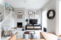 Before You Settle in for Shows Tonight, Here's a 20-Minute Plan to Tackle the TV Area | Apartment Therapy