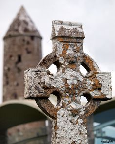 Celtic Cross in Ireland | ©sulla55, via flickr