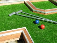 Want to play Mini Golf? Play it at home! Interchangeable Mini Golf - always different! Backyard Putting Green, Miniature Golf, Carnival Games, Baseball Field, Golf Courses, Crafts For Kids, Play, Yard Ideas, Furniture