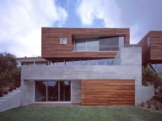 Concrete cedar mix// Modern Architecture San Diego