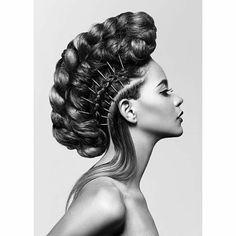 ❤❤❤❤❤❤❤❤ @sexyhair #NYFW  #Repost @dariomorenoc ・・・ Rock and Roll Muse @nadegeherrera  Hair @axel_andersson  Makeup @charlene_andersson #fashionphotography #beautyshot #braids