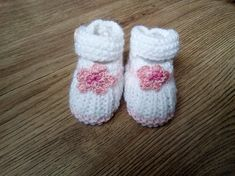 cbce774c9489f Chaussons bébé en laine 0 3 mois - Babies ballerines à fleurs bébé fille  naissance