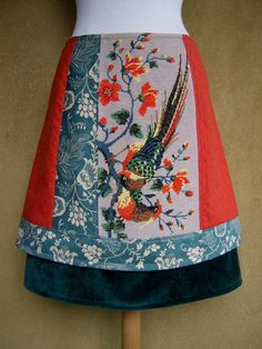 A-line skirt made of cotton, velvet and a vintage embroidery of two birds of paradise. Fully lined.  The skirt is made out of four parts, the front