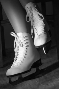 How to Paint on Old White Ice Skates