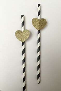 This cute gold glitter heart paper straws are the perfect touch to your black and gold party, bridal showers, and new years eve event. A touch