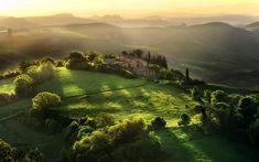 Toscana é uma região no centro da Itália, com uma área de cerca de 23.000 quilômetros quadrados e uma população de cerca de 3,8 milhões de habitantes. A capital regional é Florença (Firenze).