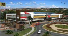 San Nicolás es un proyecto que consta de una amplia oferta comercial con más de 150 locales con las mejores marcas, cinco salas de cine, plazoleta de comidas, restaurantes, parque de diversiones y múltiples servicios.