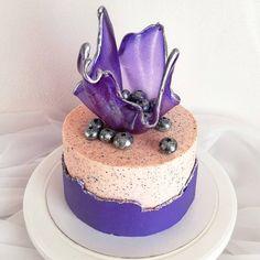 103 отметок «Нравится», 10 комментариев — Торты • Капкейки • Зефир📍МСК (@melman_cake) в Instagram: «Мой любимый торт 🔥 ⠀ Давно хотела сделать подобный дизайн, очень уж мне понравился этот декор в 2…» Cake, Desserts, Food, Pie Cake, Meal, Cakes, Deserts, Essen, Hoods