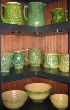 Hull Pottery, Mccoy Pottery, Ceramic Pottery, Pottery Art, Vintage Bowls, Vintage Glassware, Vintage Green, Antique Stoneware, Antique Pottery