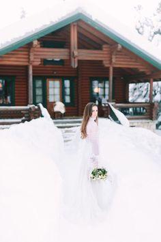 Wedding Photographer in Greece Santorini & Greek Islands Snowy Wedding, All White Wedding, Winter Wedding Flowers, White Wedding Bouquets, Bouquet Wedding, Best Wedding Blogs, Greece Wedding, Long Sleeve Wedding, Wedding Styles
