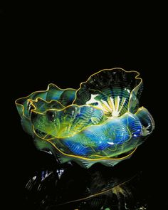 Chihuly Emerald Green Seaform Set With Yellow Lips 1994