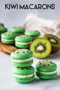 Kiwi Macarons - Pies and Tacos Macaron Filling, Macaron Flavors, Gluten Free Treats, Gluten Free Cookies, Kiwi Recipes, Juicer Recipes, Salad Recipes, Kiwi Jam, Cookie Recipes