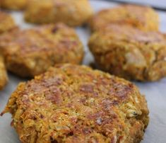 Recipe of patties of chickpeas with spices and sesame Veggie Recipes, Vegetarian Recipes, Healthy Recipes, Batch Cooking, Cooking Recipes, Falafel Burgers, I Love Food, No Cook Meals, Vegan