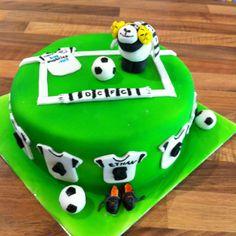 Football Cake ~ Derby County ~ Rammie Anna Cake, Derby County, Archie, Amazing Cakes, Birthday Cakes, Cake Ideas, Football, Treats, Desserts