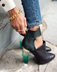 . || #instafashion #instamood #shoesoftheday #shoes #lifeisgood #loveit #picoftheday #boots #loveit #vogueparis #vogue #streetfashion #details #fashion #fashionblog #jj #likes by style__dreams