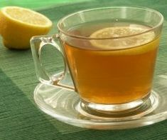 Keep the Lemon recipe handy in these times of inclement weather. It is just honey, lemon juice & hot water. But it's so good, especially if you have a or congestion. The lemon juice helps cut through congestion and the honey soothes the throat! Liver Detox Tea, Natural Liver Detox, Kidney Detox, Garlic Tea, Ginger Lemon Tea, Honey Lemon, Tea For Colds, Healthy Cholesterol Levels, Healthy Liver