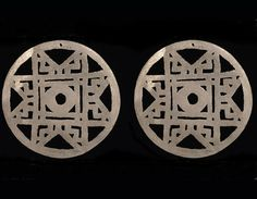 Ear ring pendants Silver 600 A.D. – 1700 A.D. Ipiales Nariño Diam. 17.1 cm Diam 17.5 http://www.banrepcultural.org/gold-museum/nari%C3%B1o-and-the-gold-museum-exhibition