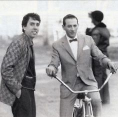 Tim Burton and Pee Wee Herman. I can't handle this much awesomeness in one photo!