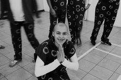 A photojournalist was blown away by what she saw in Pollsmoor Prison, but not for the reasons you might think. this is her epic photo journey. Yoga 1, Epic Photos, Prison, Alexander Mcqueen Scarf, T Shirts For Women, Photography, Fashion, Moda, Photograph