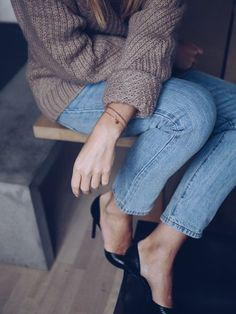 My favorite blue jeans - Camilla Pihl Closet Basics, Love Jeans, Neutral Outfit, People Dress, Camilla, What To Wear, Autumn Fashion, Feminine, Skinny Jeans
