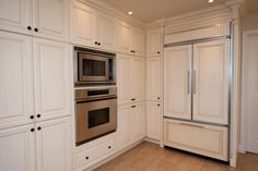 Simple and elegant. White #cabinets offer maximum versatility with any #kitchen #decor